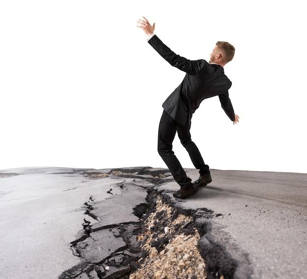 Empresário tentando superar uma ruptura profunda