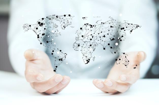 Empresário tocando um mapa do mundo