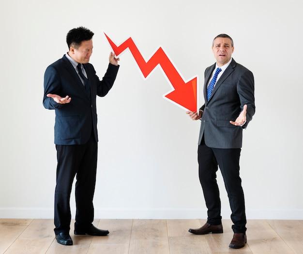 Empresários com ícone de estatísticas
