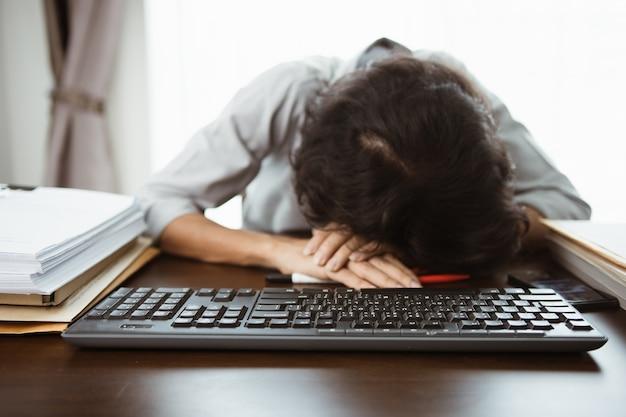 Empresários estão estressados com trabalho inacabado