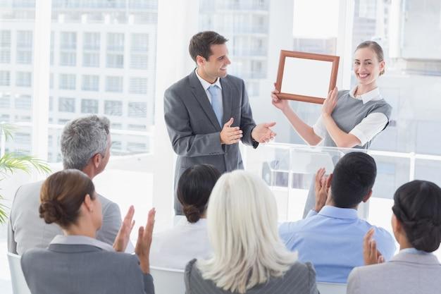 Empresários que recebem prêmio