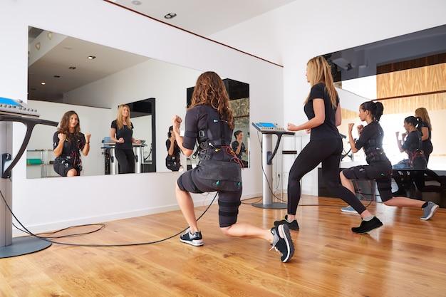 Ems electro stimulation mulheres exercícios
