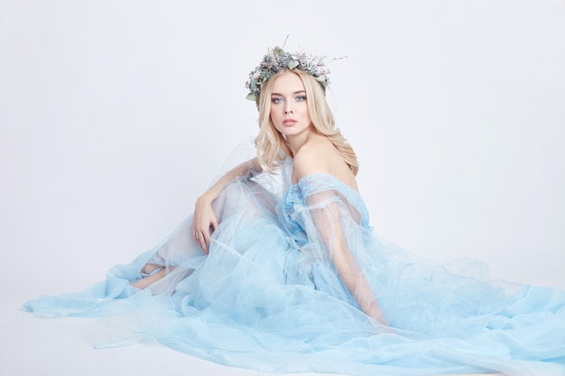Encanto fada mulher azul etéreo vestido grinalda