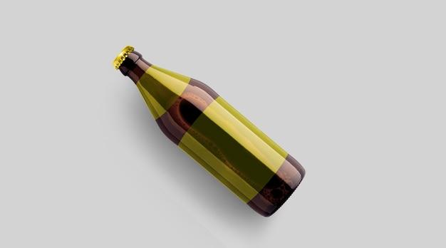 Encha a garrafa de cerveja marrom de vista com o modelo amarelo em branco isolado no fundo cinza. conceito de festa de cerveja.