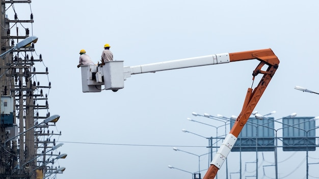Energia construção manual profissional trabalho de instalação