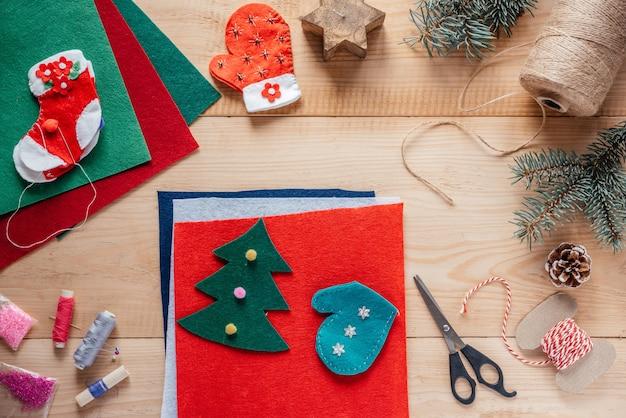 Enfeites de feltro de natal costurando, artesanato infantil de natal e ano novo