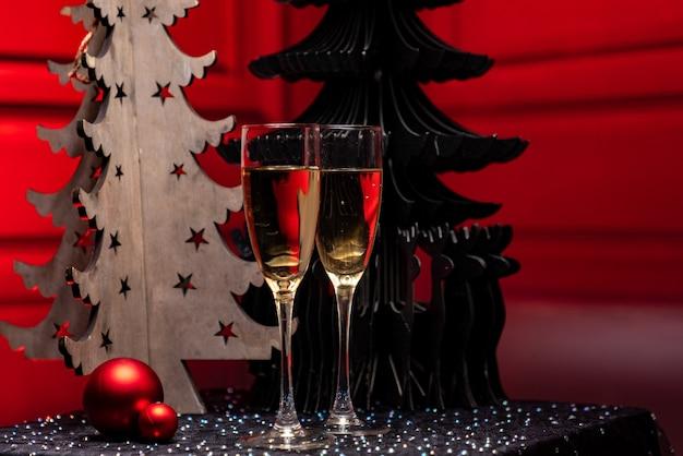 Enfeites de natal para garrafa de champanhe com vista frontal