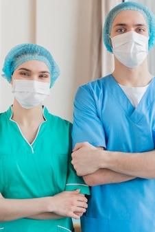 Enfermeiras trabalhando juntas