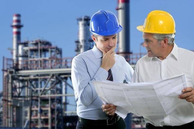 Engenheiro arquiteto dois indústria de equipe de especialistas