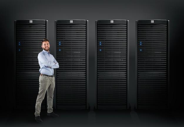 Engenheiro de sistema para dar suporte a um servidor de banco de dados