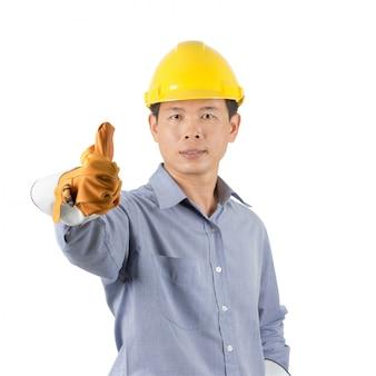 Engenheiros usando capacetes amarelos