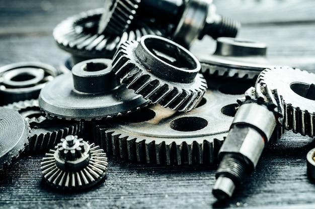 Engrenagens de uma velha máquina industrial