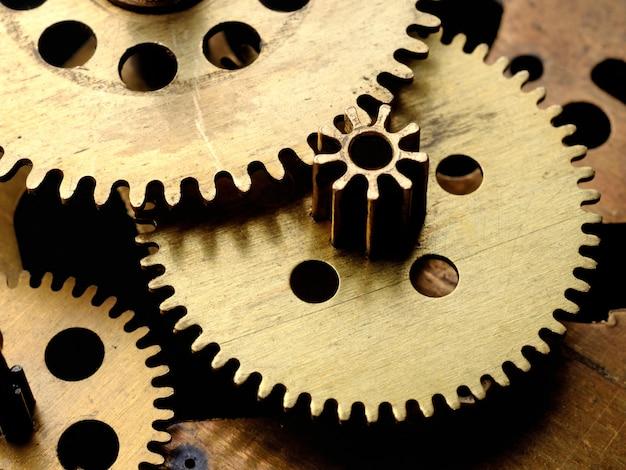 Engrenagens no velho relógio