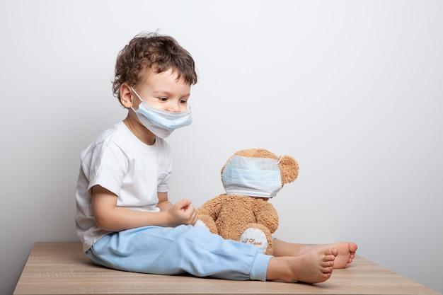 Ensine seu filho a tomar medidas preventivas contra vírus e gripe.