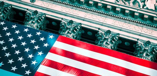 Entrada na bolsa de valores de wall street de nova york Foto Premium