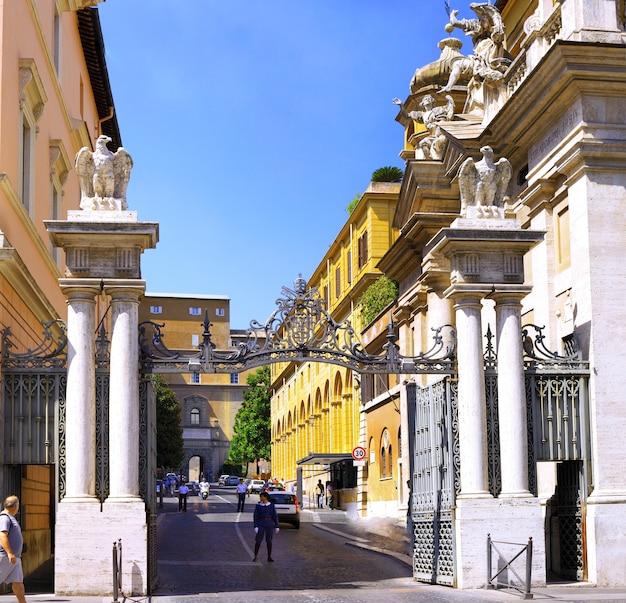 Entrada principal, cidade do vaticano. itália