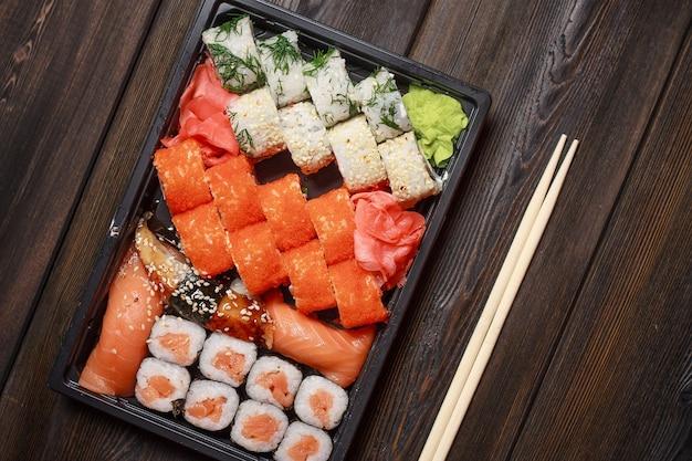 Entrega de comida asiática em casa