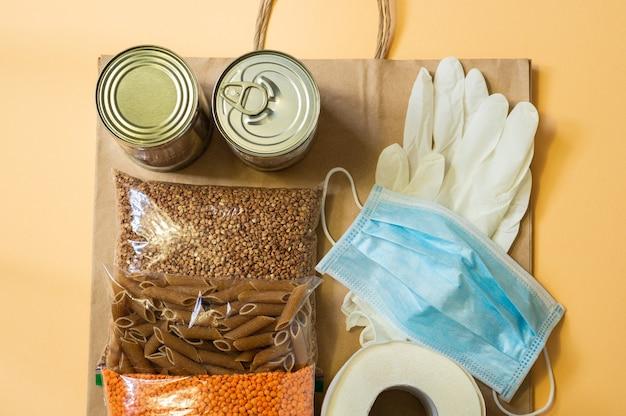 Entrega de comida, doação, coronavírus