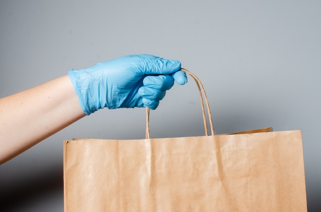 Entrega online de alimentos durante a epidemia covid 19.