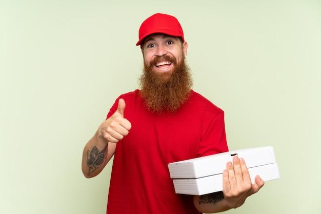 Entregador com barba longa