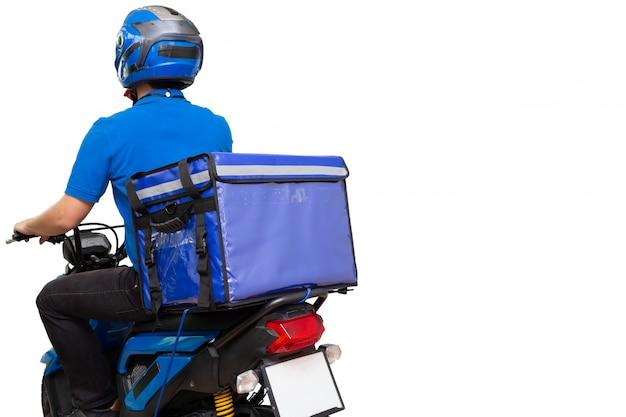Entregador, vestindo uniforme azul, andar de moto