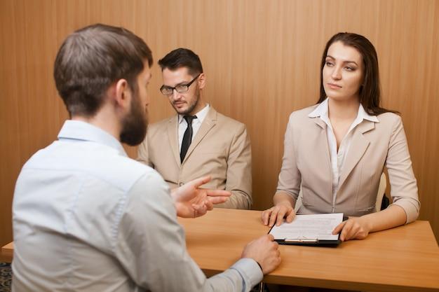 Entrevista de recrutamento de emprego