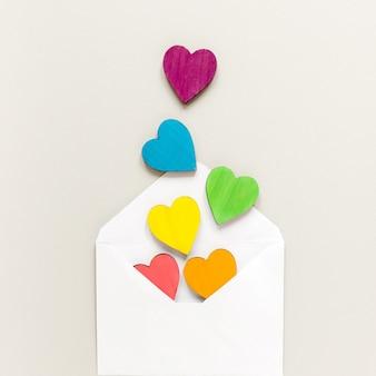 Envelope com corações