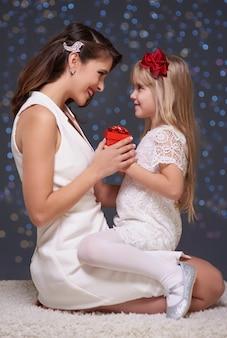 Época de natal de mãe e filha
