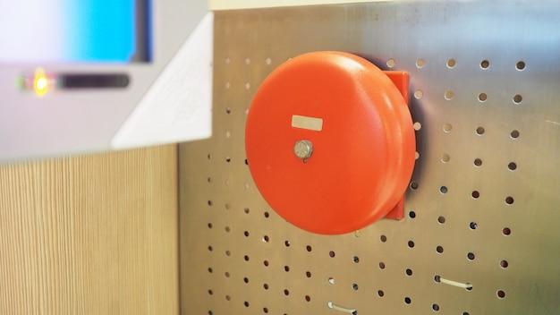 Equipamento de alarme ou alerta de emergência de incêndio ou campainha.