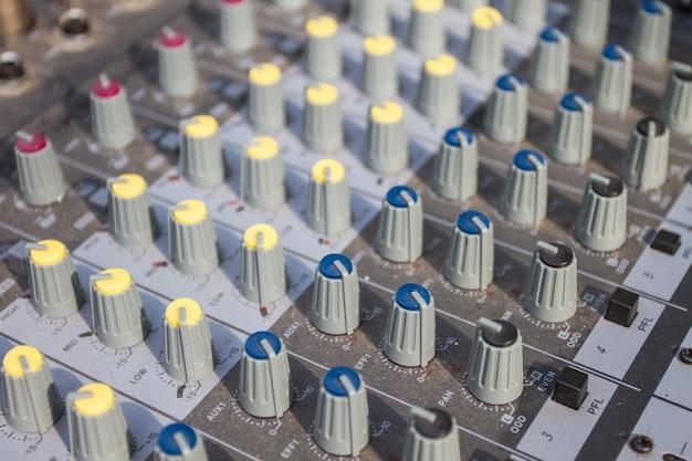 Equipamento de botões para controle de mixer de som