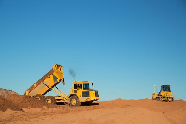 Equipamento de construção no trabalho
