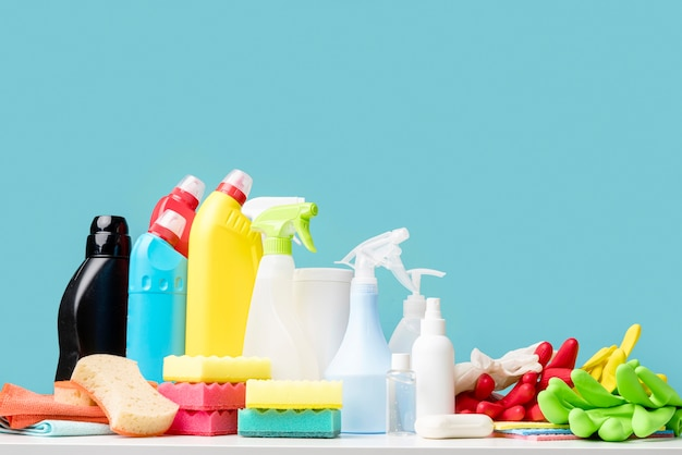 Equipamento de desinfecção na mesa