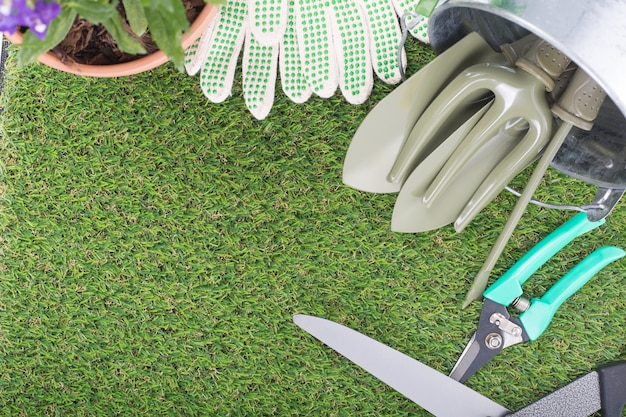 Equipamento de ferramentas de jardim para uso de jardineiro de fundamentos.
