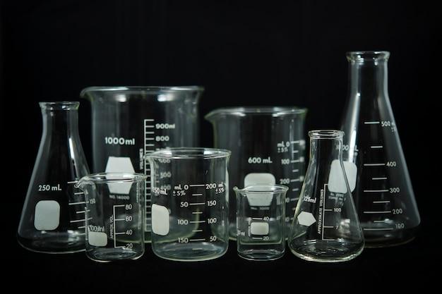 Equipamento de frasco erlenmeyer usado para preparar produtos químicos
