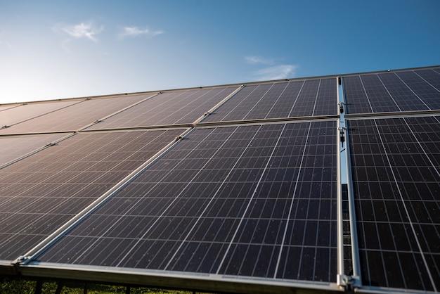 Equipamento de geração de energia solar fotovoltaica, conceito de energia alternativa verde limpa