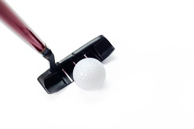 Equipamento de golfe isolado no branco
