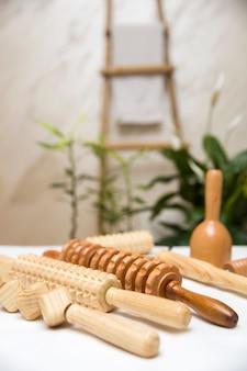 Equipamento de madeira para massagem anti-celulite maderoterapia