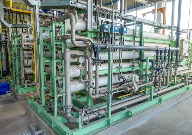 Equipamento do sistema de osmose reversa na zona da indústria