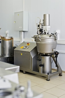 Equipamento industrial para a produção de alimentos, misturador de líquidos em aço inoxidável. big shaker