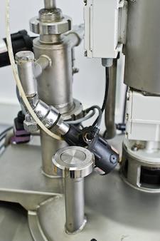 Equipamento industrial para a produção de alimentos, misturador de líquidos em aço inoxidável.