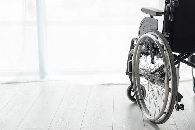 Equipamento profissional de mobilidade em ambientes fechados
