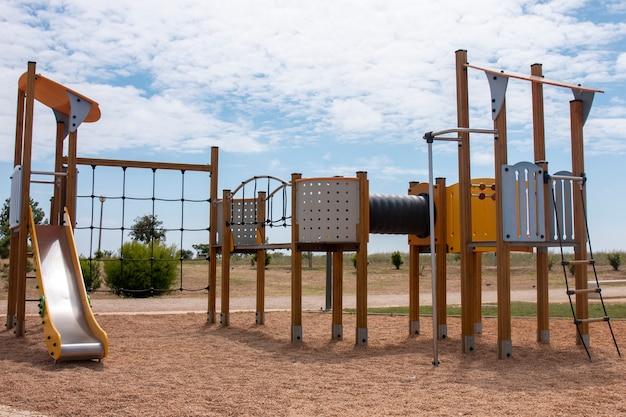 Equipamentos de playground para crianças
