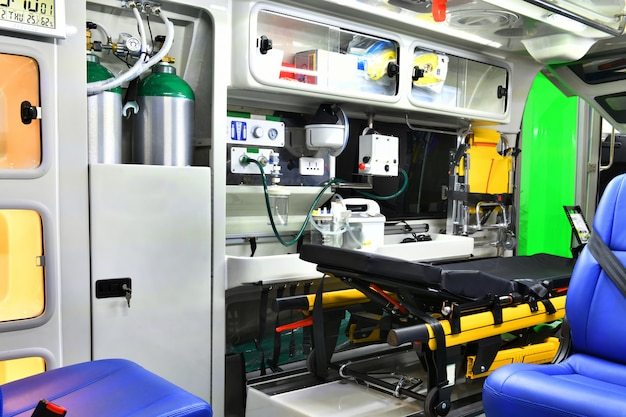 Equipamentos e dispositivos de emergência