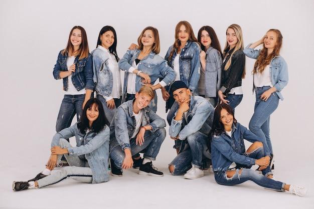 Equipe de dançarina no studio