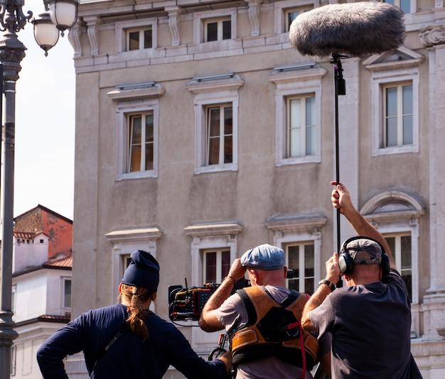 Equipe de filmagem equipe filmando cena do filme