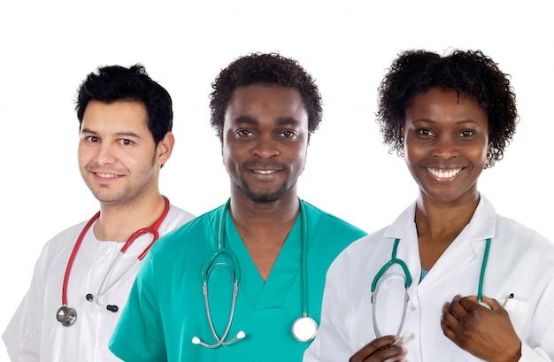 Equipe de jovens médicos