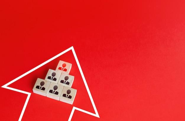 Equipe de negócios em movimento seta em um único grupo consolidação em uma formação maior