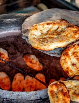 Er ° zeri pão tandoor nacional cozido em tandoor