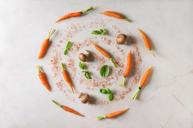 Ervas e cenouras da cozinha