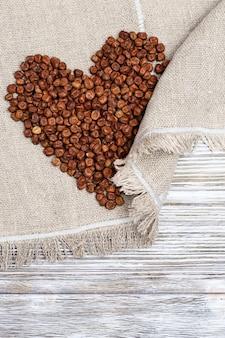 Ervilhas cinzentas, produto tradicional da letónia.